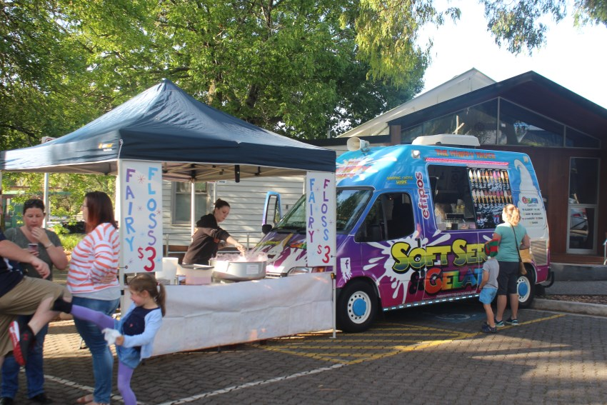The Basin Xmas Carols 2018 – Food Vans (11)