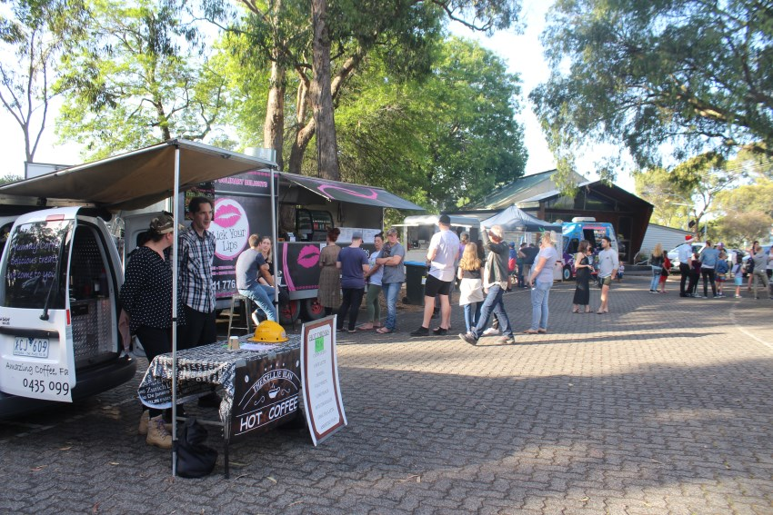 The Basin Xmas Carols 2018 – Food Vans (9)