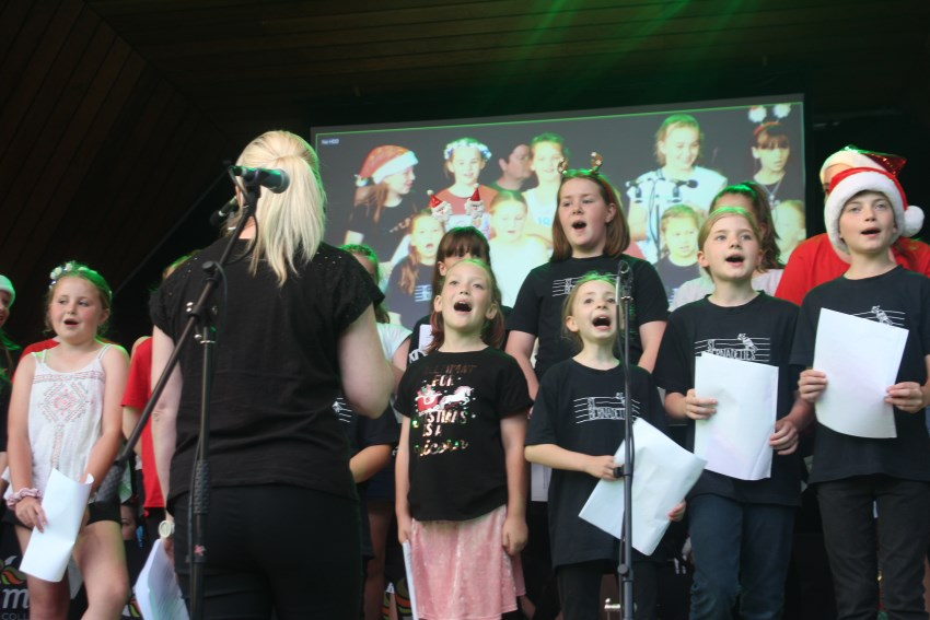 The Basin Xmas Carols 2018 – Performance (10)